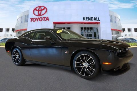 Pre-Owned 2015 Dodge Challenger R/T Scat Pack